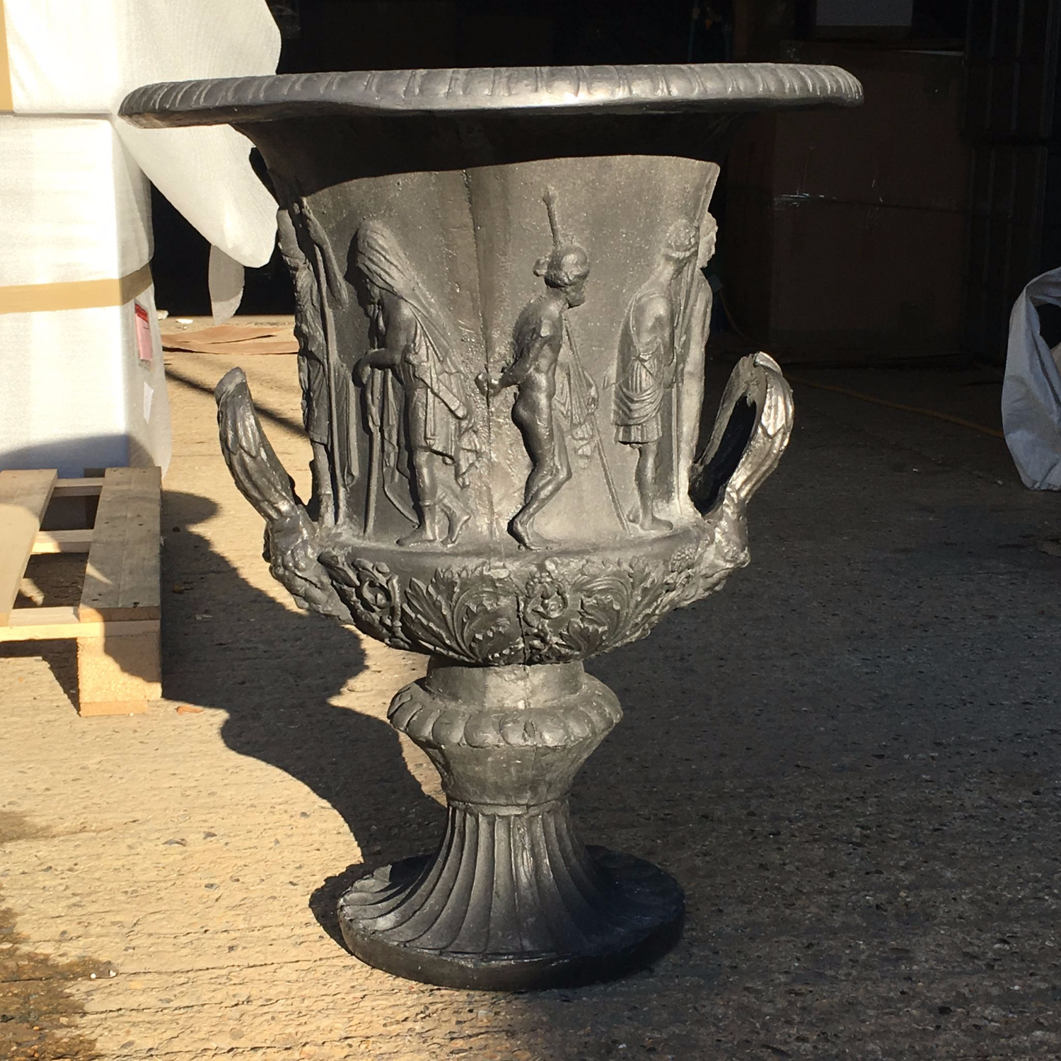 medium aluminum flower venetian med planter cast urn